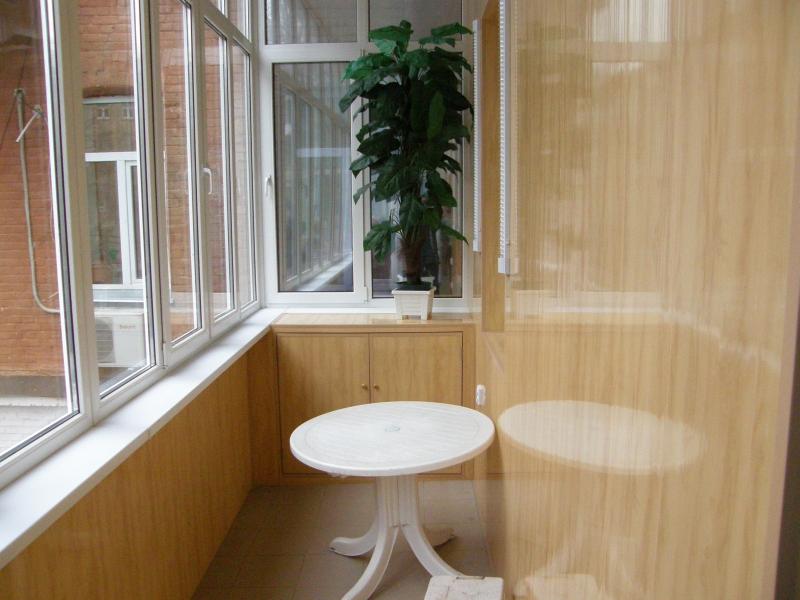 Обшивка балкона пластиком - довговічне, функціонально, практ.